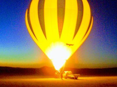 早朝の気球